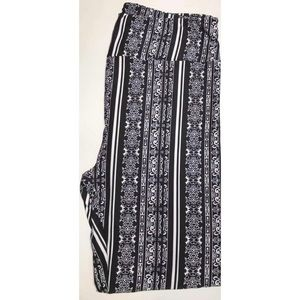 LuLaRoe | TC2 Boho Black + White Leggings